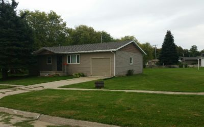 301 E. State St., Hartington, NE  68739  1,041 sq. ft.; 2-3 bdrm; 2 bath;  * SALE PENDING *