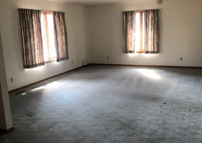 102 E. 6th St., Laurel - living room