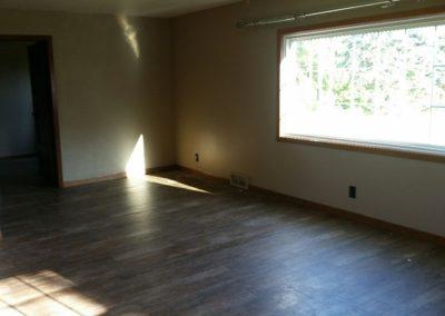 56626 883 Rd - living room