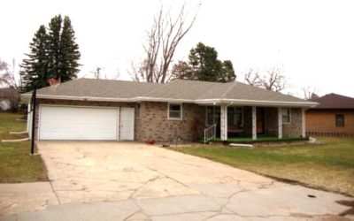 605 Oak St., Laurel, NE  68745   1,488 sq. ft.; 4 bdrm; 2 bath;   $159,000.00 NEW PRICE