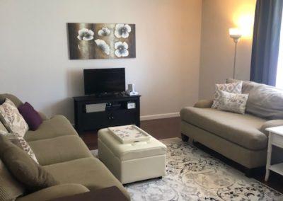 706 Cedar - living room