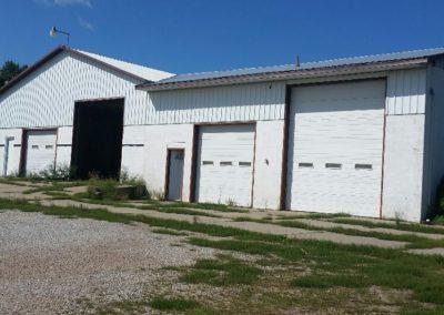 56098 Hwy 84 - garage-shop