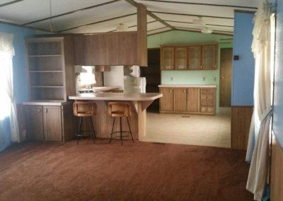 401 Oak St., Laurel - living room & kitchen