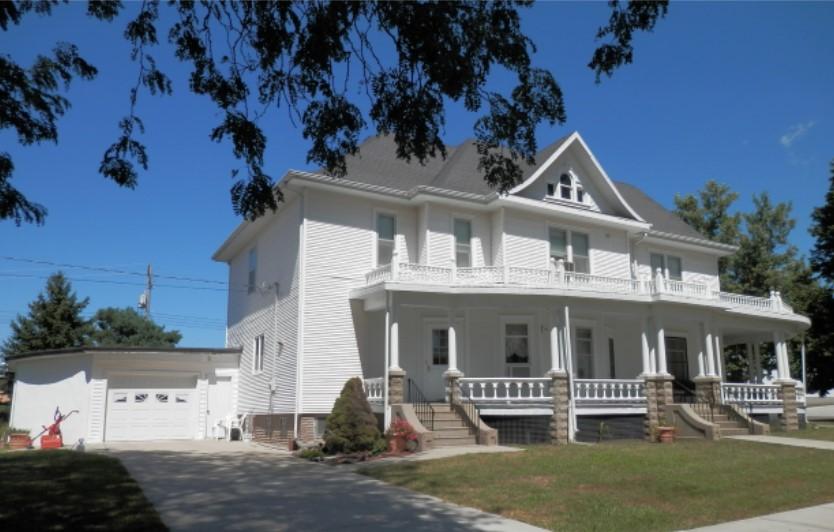 104 E. Grant St., Bloomfield, NE  68718   3,106 sq. ft.; 5+ bdrm; 2 bath; SOLD