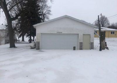 516 W 3rd, Laurel - detached double garage with 1 big door