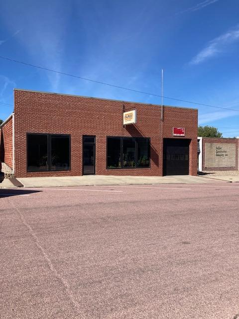 306 N. Broadway, Hartington, NE 68739 Lot Size: 50′ x 142′; 5,500+ sq. ft. building; SALE PENDING