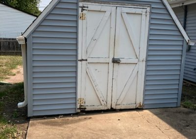 5504 W 16th, Sioux Falls, SD - storage shed